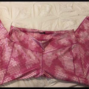 Old Navy Active Geometric Cropped Leggings